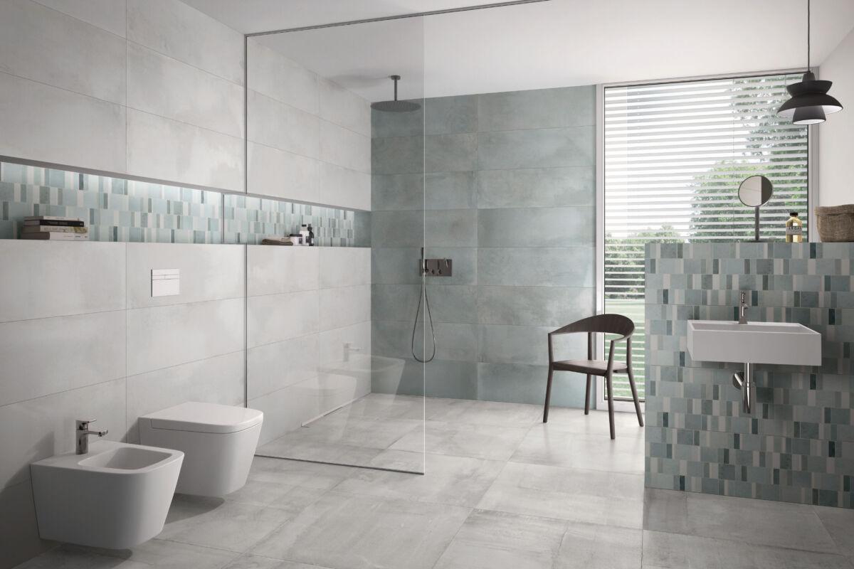 Mit Fliesen lassen sich im Bad architektonisch ansprechende Ablagen und Raumelemente gestalten, die praktischen Nutzen bringen und den Raum clever gliedern.
