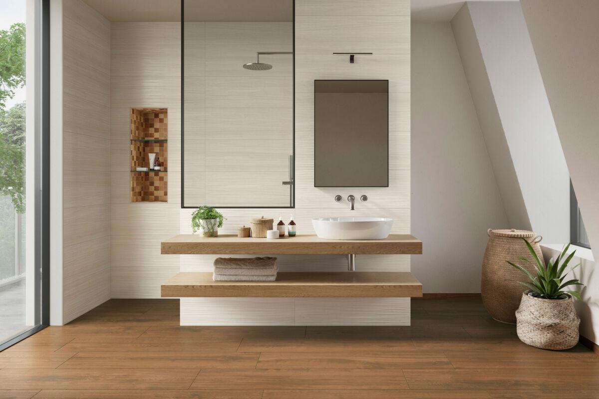 Fliesen in Holzoptik bringen natürliche Schönheit ins Bad und verfügen dennoch über die bewährten Vorzüge der Keramik.